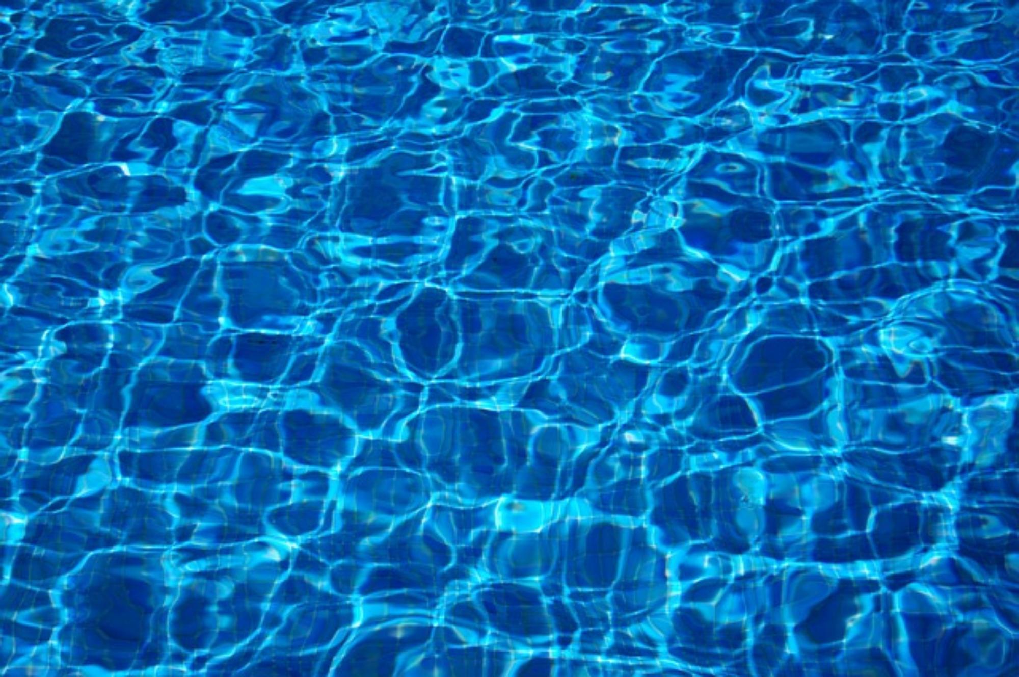 Klejenie basenu – poradnik naprawczy