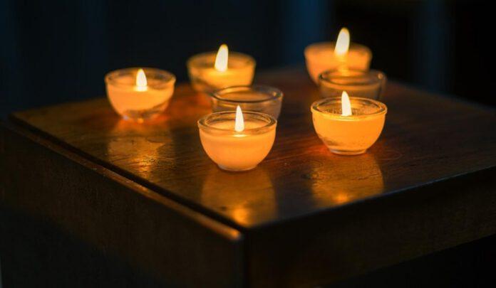 świece w łazience