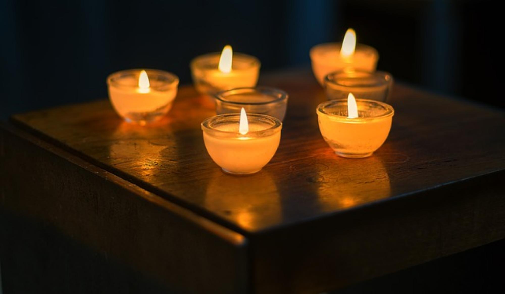 Zapachowe świece w łazience